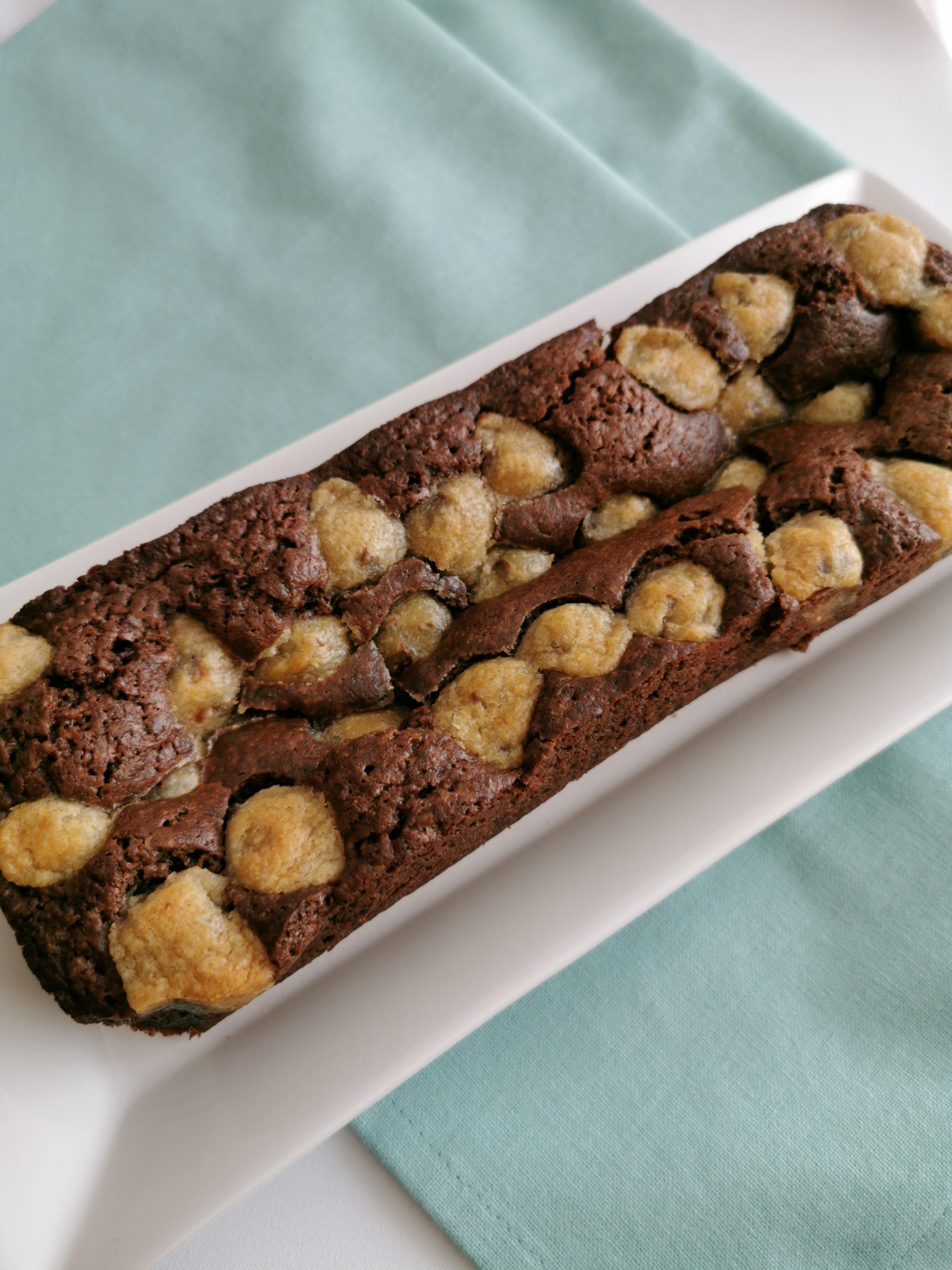 hele browniecake met cookie dough