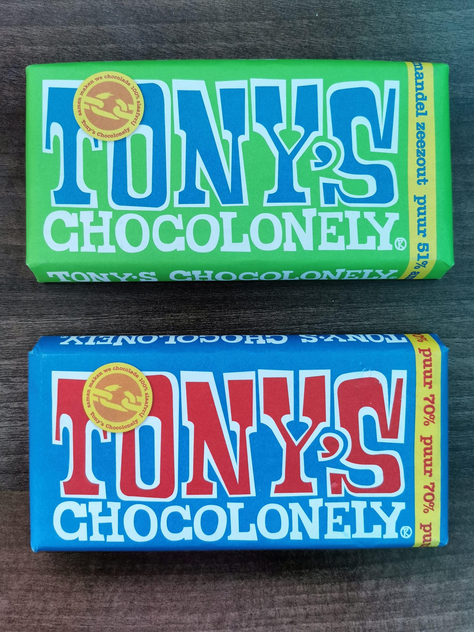 2 repen chocola van Tony's Chocoloneley in de smaak puur amadel zeezout en extrra puur