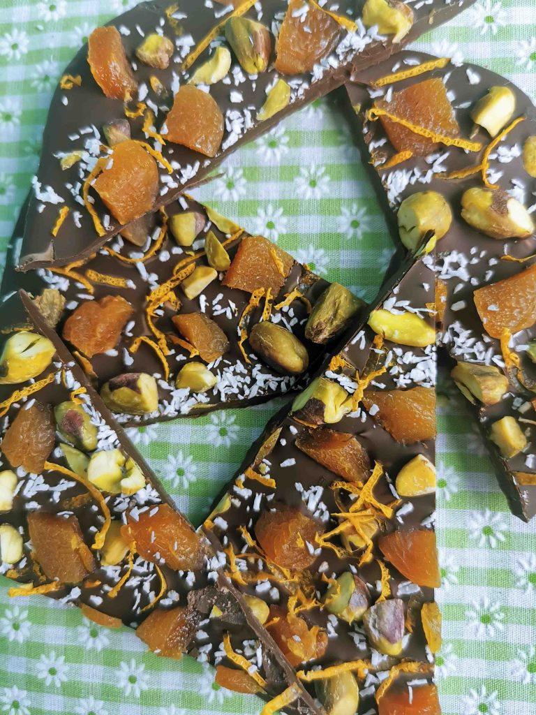 schotsen chocolade met pistache en abrikoos